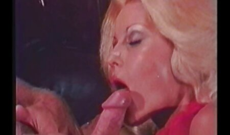 Irena estando en la pose de un perro y españolas adictas al sexo anal un sexo activo