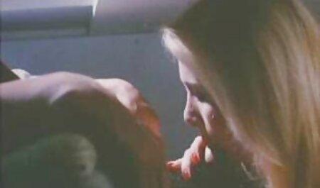 La belleza chupa la polla de su marido y videos sexo anal españolas espera su semen