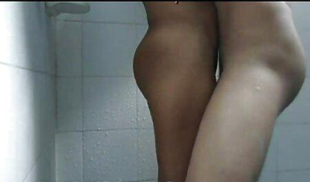 Hermosa chica mostrando topless sexo anal en español latino en el chat de sexo
