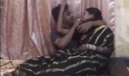 Joven pareja anal casero en español hace oral caricia en posición 69