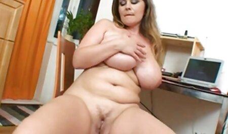 Katerina delgado sexo anal subtitulado en español se masturba en un cómodo sofá