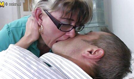 El chico sopló a la chica en las gafas y disparar el video anal gratis en español de sexo