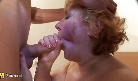 Belleza caliente con buenas sexo anal español gratis tetas posando desnuda delante de la webcam