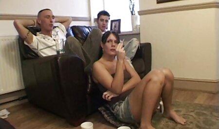 Caliente las mujeres la eliminación de su bonito anal castellano bragas y atornillar su Vagina Con su Los dedos