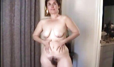 La bestia pelirroja le da una mamada a un hombre negro y se da anal casting español a sí mismo por completo
