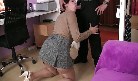 MILF con sexo anal gratis en español grandes tetas hunk