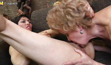El hombre anal casero en español termina dentro de la mujer pelirroja codiciosa con grandes tetas
