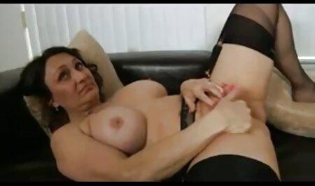 Morena en bikini es follada por un hombre pornoanalenespañol