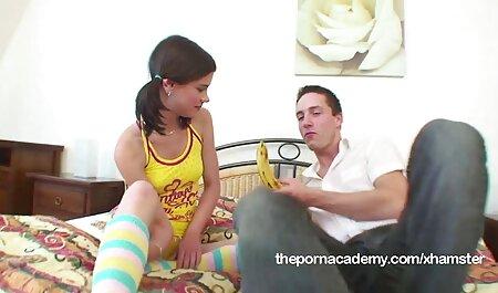 Shmaru en swimsuit follada anal español latino por dos chicos