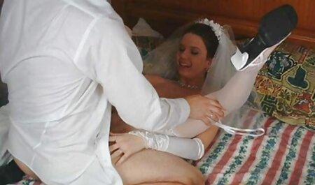Tía con grandes latas hace masaje a un cliente anal audio español