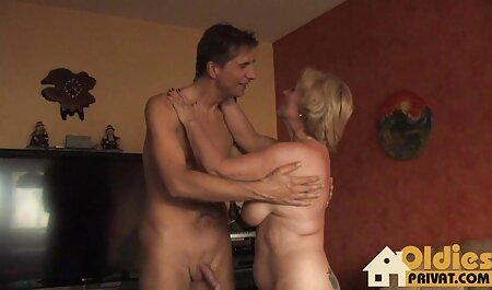Esta chica crece con butt plug dando un hombre para jugar con su coño videos en español de sexo anal