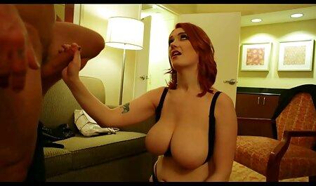 Morena tetona animarse a sí misma al sex anal español orgasmo con un vibrador