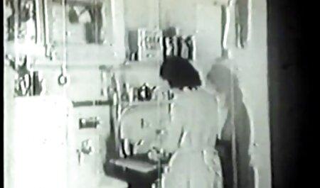 Dala folla en el amateur anal español culo a la derecha en la cocina