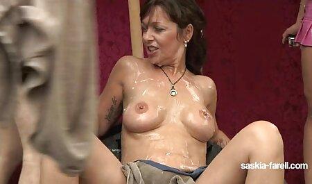 La chica estaba casi terminado con masaje anal sex en español de pies