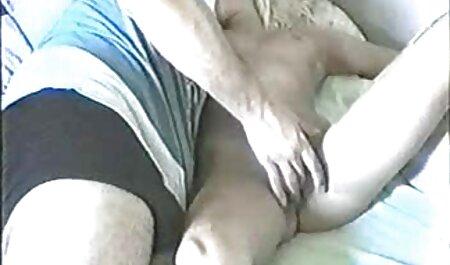 Chica con impaciencia obedece a chupar de 1 anal a españolas persona