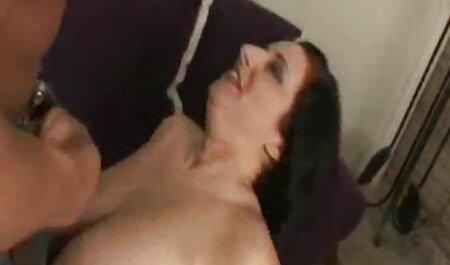 Hombre folla videos sexo anal en español con su polla en los labios de gordito profesor