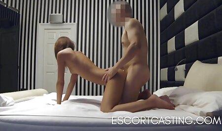 Santa asistente lamiendo el Corcho videos de sexo anal en español gratis para una niña traviesa