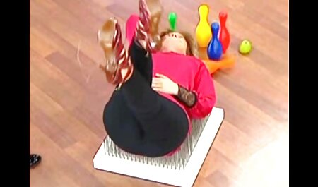 Puta vestida de látex con un hermoso espectáculo de su figura anal subtitulado español