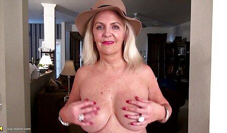 Hermanos espiando a las hermanas desnudas a través de la pornoanalespañol cámara oculta
