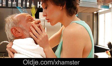 Elsa con tetas pequeñas en masaje españolasanal erótico