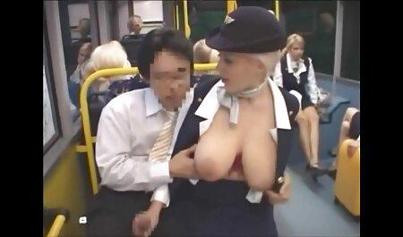 MILF con grandes casting anal en castellano tetas se la follan con un hombre