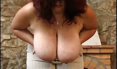 Hombres rusos sexo anal hablado en español en la cama se apresuraron a las dos jóvenes mujeres hermosas